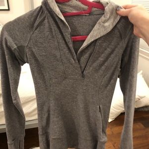 Grey lulu lemon half zip